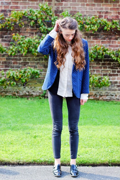 Topshop, black shoes, navy blazer, long brown hair, black and white topshop shirt, gold chain necklace,