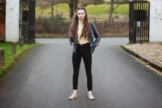 Grace Mandeville, Vintage outfit, Preppy Outfit, Mandeville Sisters, fashion, fashion blogger, style, superdry, American Apparel, Topshop, Pink Brogues,