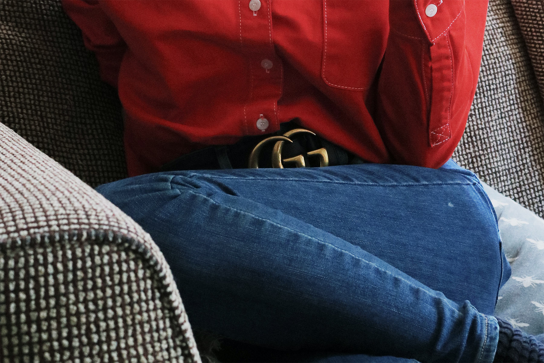 red shirt, double denim outfit, gucci belt, blogger, bright style, england, style